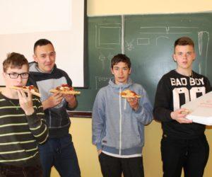 Pizza nagrodą dla 1TB